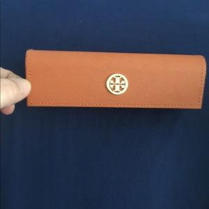 Tory Burch slim glasses case
